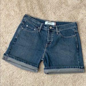 LEVI 515 High Rise Shorts  Size 8
